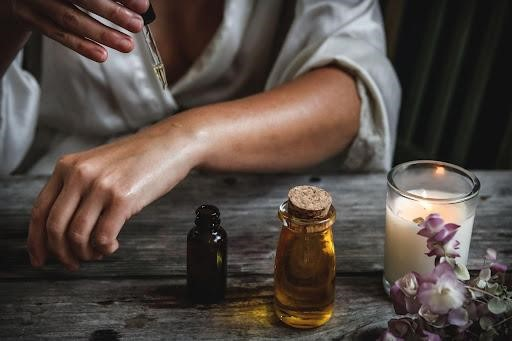 Why Should You Use CBD Oil to Feel Relief